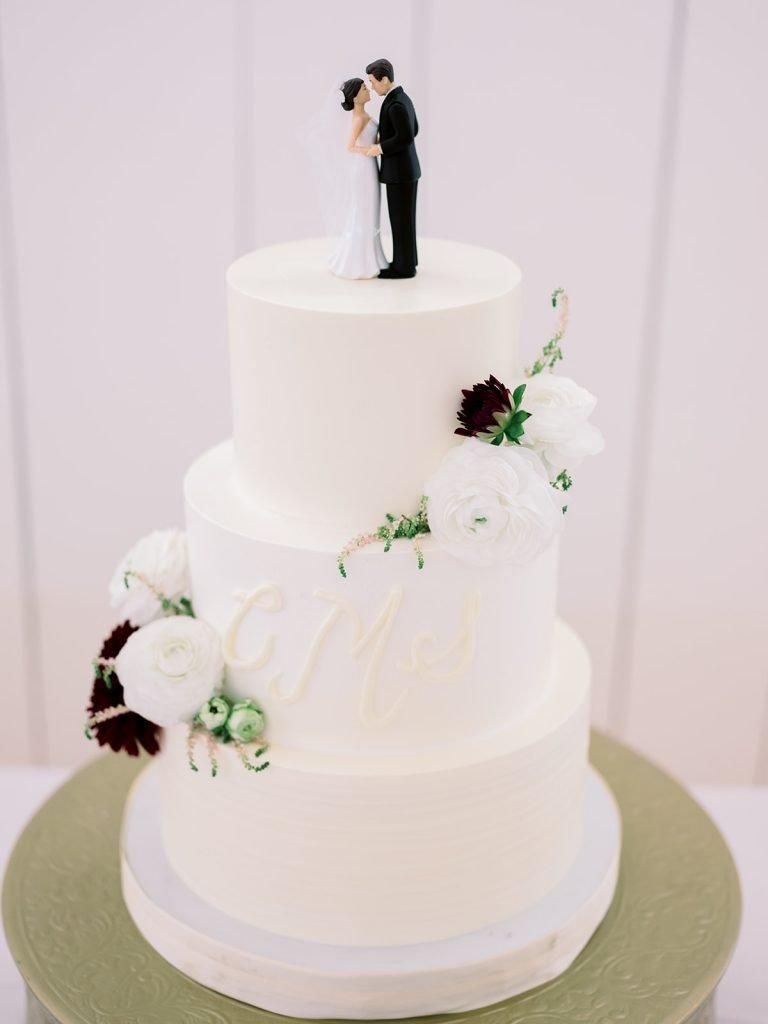 McKinney, Texas - Texas Outdoor Wedding - Each & Every Detail - Mauve & Burgundy Wedding - Lush Greenery Wedding - Traditional Wedding Cake - Marron Flowers on Cake